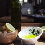 Zeytinyağı Nedir ? Nasıl Üretilir ? İyisi Nasıl Anlaşılır ?